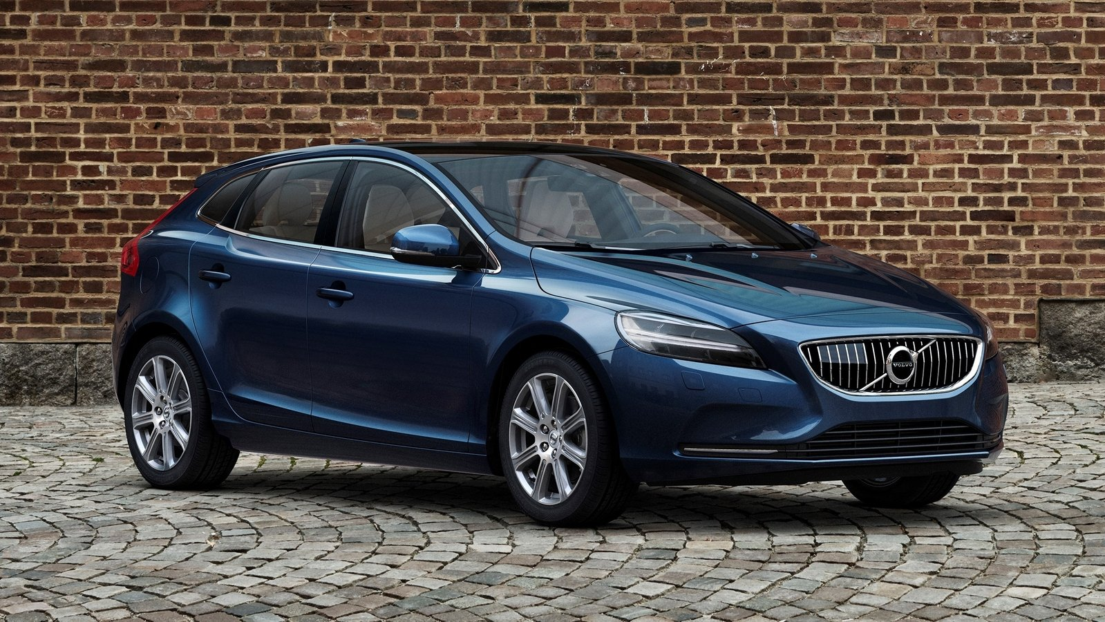 2017 Volvo V40 Review  Top Speed