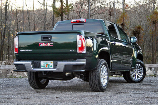 2016 gmc canyon duramax driven truck review top speed. Black Bedroom Furniture Sets. Home Design Ideas