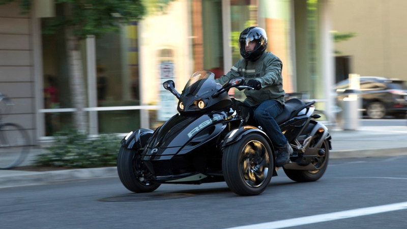 2016 Can-Am Spyder RS picture - doc669784