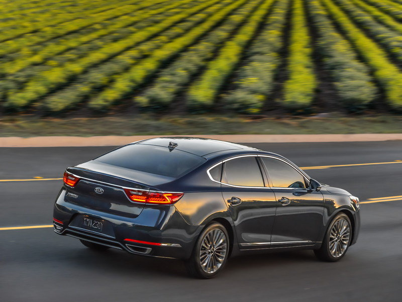 2017 Kia Cadenza High Resolution Exterior - image 670468