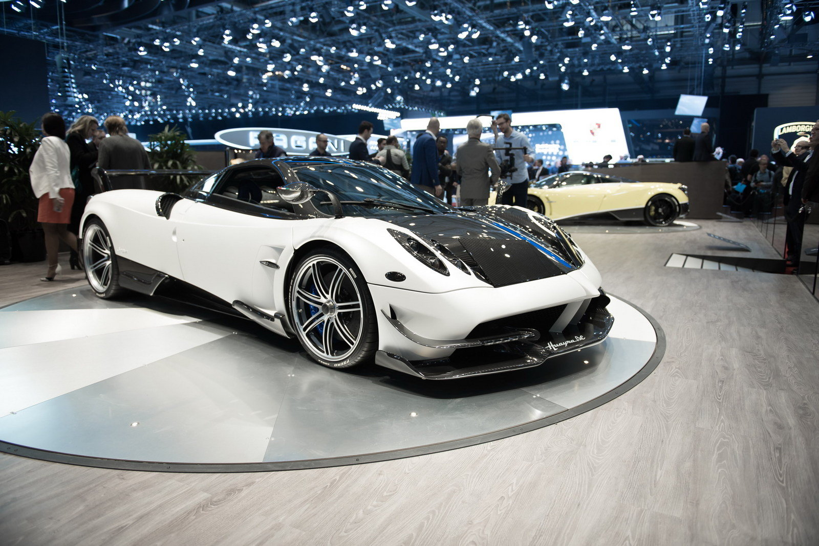 2017 pagani huayra bc picture 668320 car review top speed. Black Bedroom Furniture Sets. Home Design Ideas