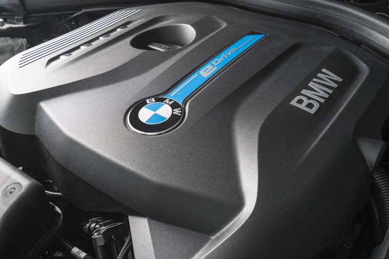 2017 BMW 330e iPerformance High Resolution Drivetrain - image 670152