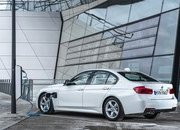 2017 BMW 330e iPerformance - image 670156