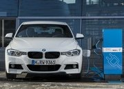 2017 BMW 330e iPerformance - image 670160