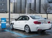 2017 BMW 330e iPerformance - image 670162
