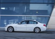 2017 BMW 330e iPerformance - image 670135