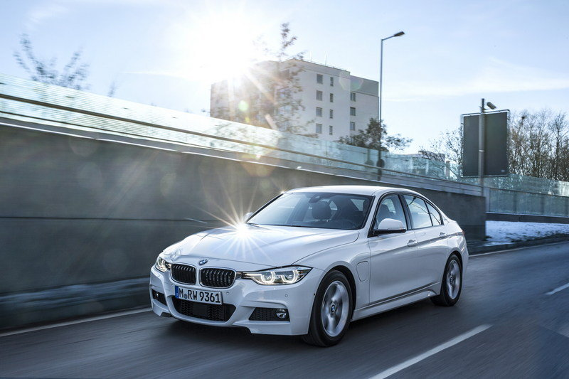 2017 BMW 330e iPerformance High Resolution Exterior Wallpaper quality - image 670139