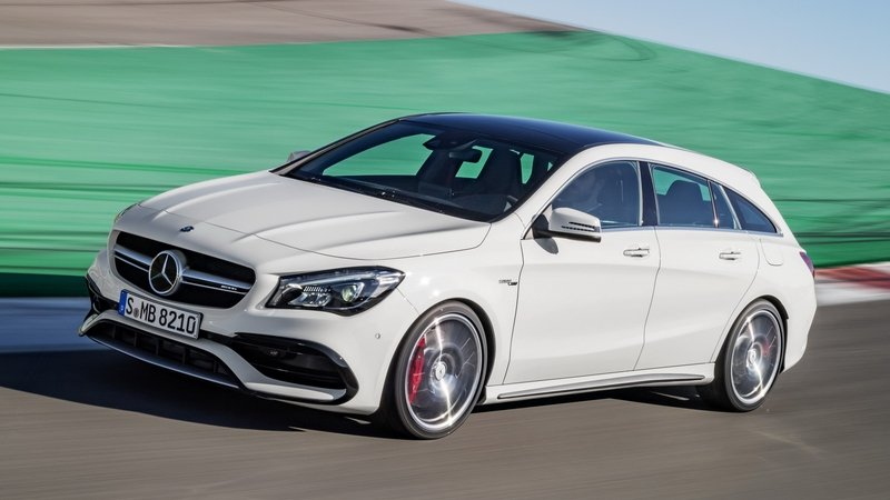 2017 Mercedes-AMG CLA45 Shooting Brake