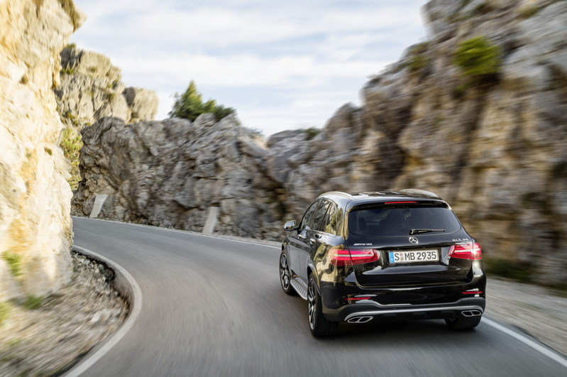 2017 Mercedes-AMG GLC43 4MATIC High Resolution Exterior - image 669820
