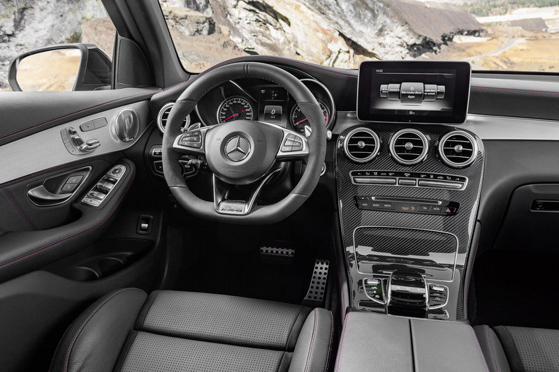 2017 Mercedes-AMG GLC43 4MATIC High Resolution Interior - image 669815