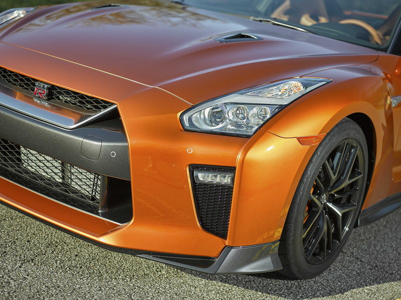 2017 Nissan GT-R High Resolution Exterior - image 670406