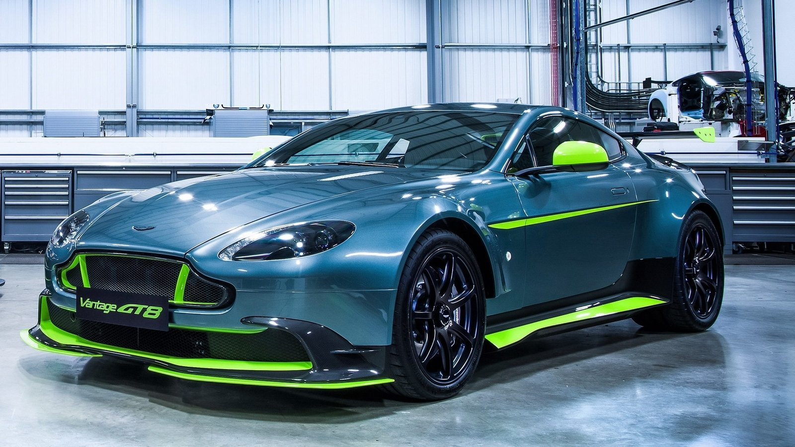 2017 aston martin vantage gt8 top speed. Black Bedroom Furniture Sets. Home Design Ideas
