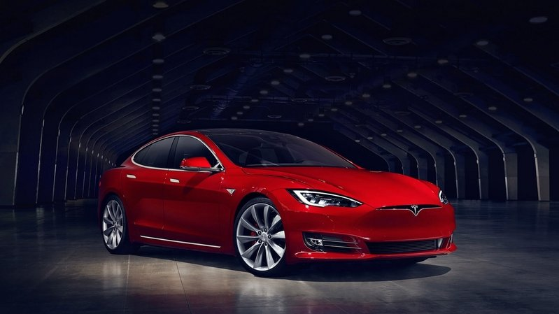 The Tesla Model S Floats In Water – Wait, What?