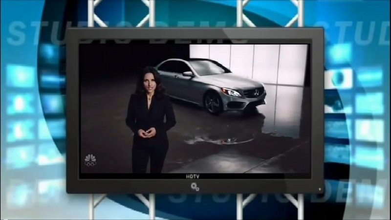 Julie Lewis-Dreyfus Introduces The Mercedes AA-Class On Saturday Night Live