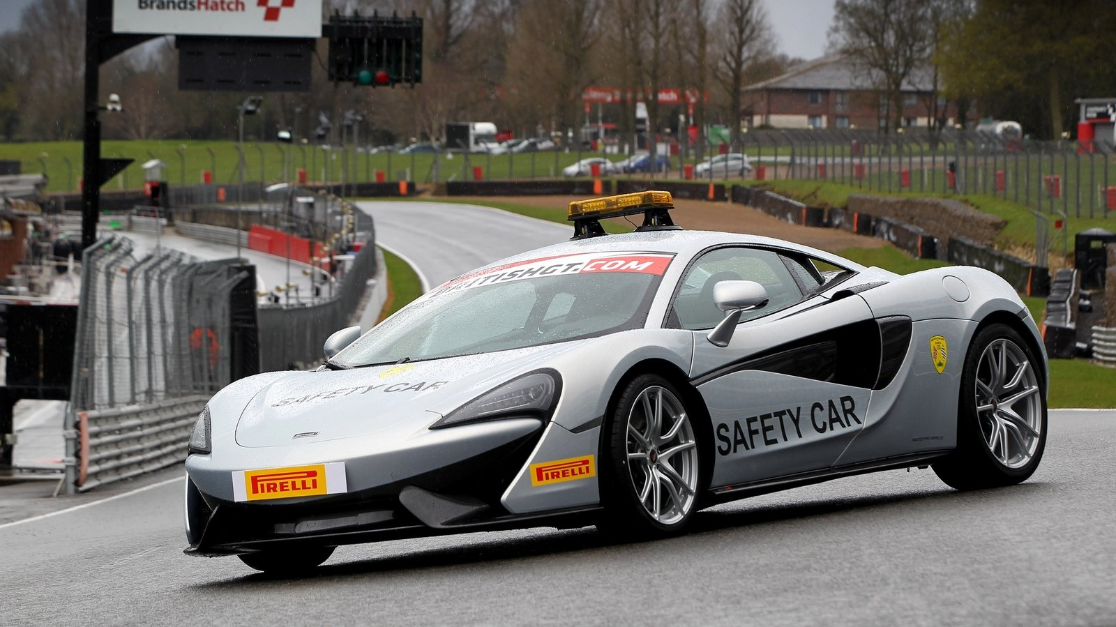 Mclaren 570s Becomes Safety Car Of 2016 British Gt