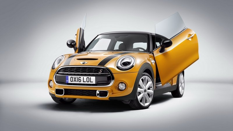 Mini Gets Scissor Doors As Optional Equipment