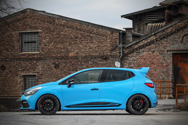 2016 Renault Clio 220 Trophy EDC by Waldow Performance