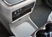 2016 Toyota Sienna – Driven - image 677136