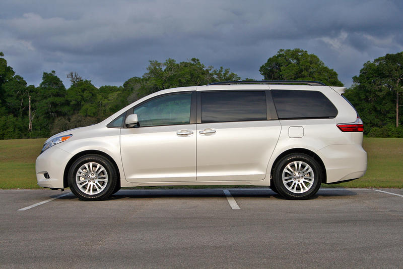 2016 Toyota Sienna – Driven High Resolution Exterior - image 677117
