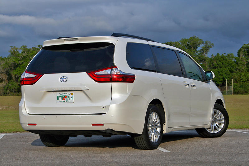 2016 Toyota Sienna – Driven High Resolution Exterior - image 677120