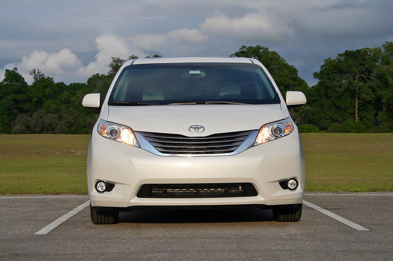 2016 Toyota Sienna – Driven High Resolution Exterior - image 677123