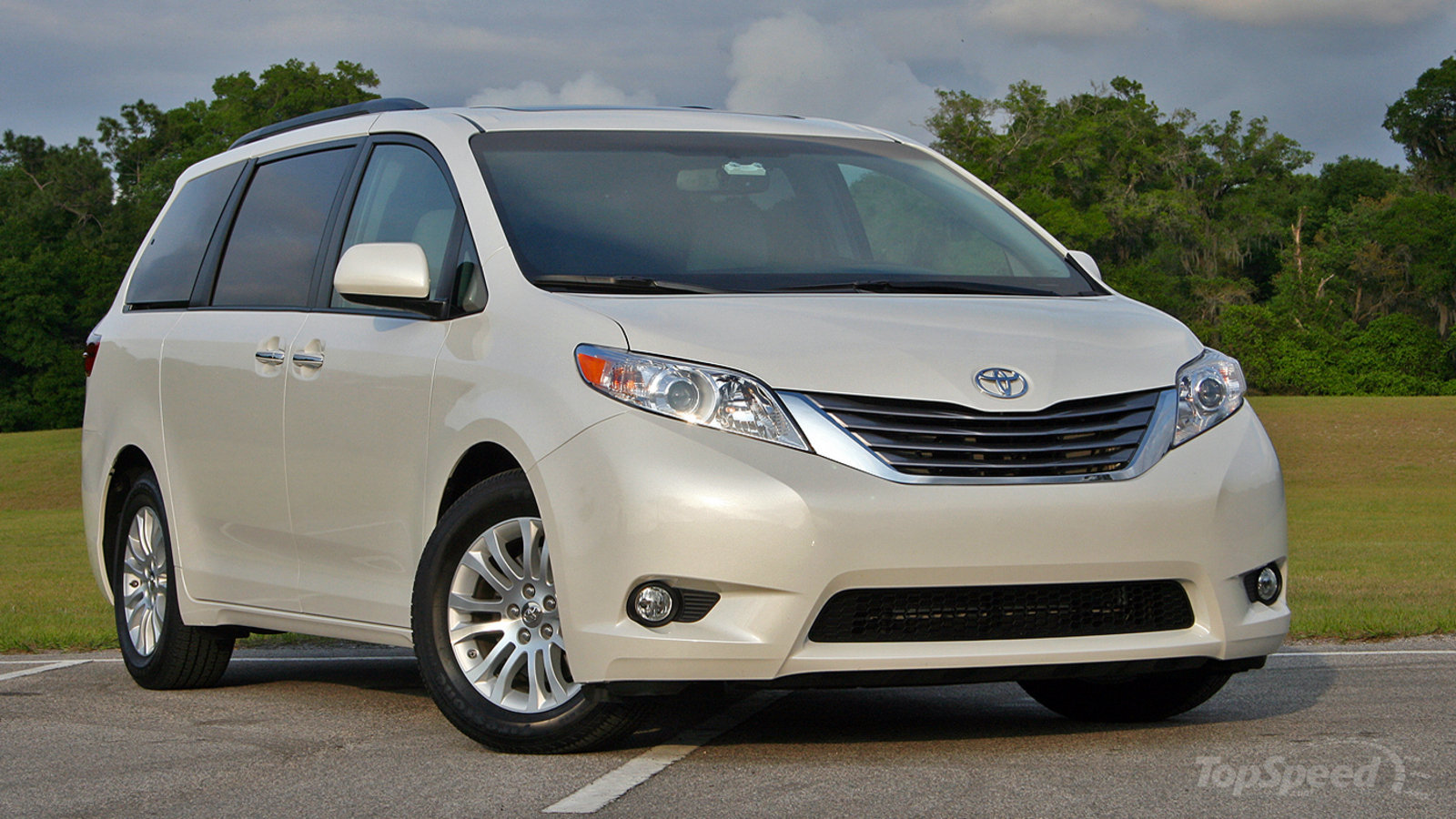 2016 honda odyssey vs 2016 nissan quest compare cars autos post. Black Bedroom Furniture Sets. Home Design Ideas