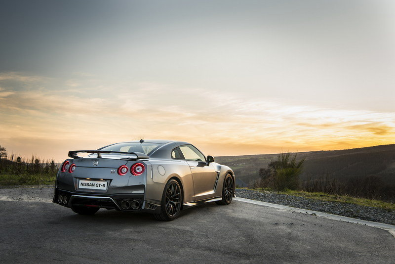 Wallpaper of the Day: 2017 Nissan GT-R