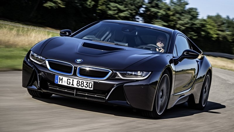 BMW Prepares Updated i8 With More Power And Extra Range