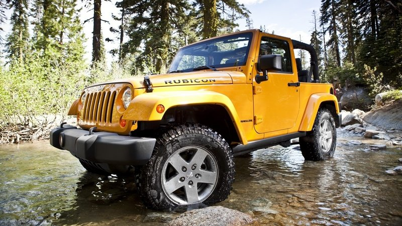 Jeep Recalls Nearly 500,000 Wranglers Due to Airbag Woes