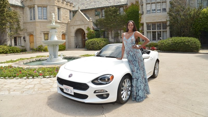 Playboy's 2016 Playmate of the Year Receives New Fiat 124 Spider