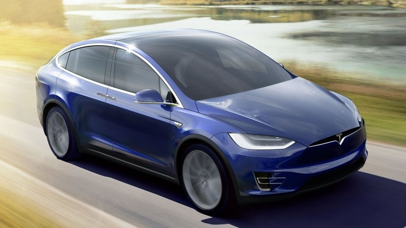 Model X Customer Hits Tesla with Lemon Lawsuit