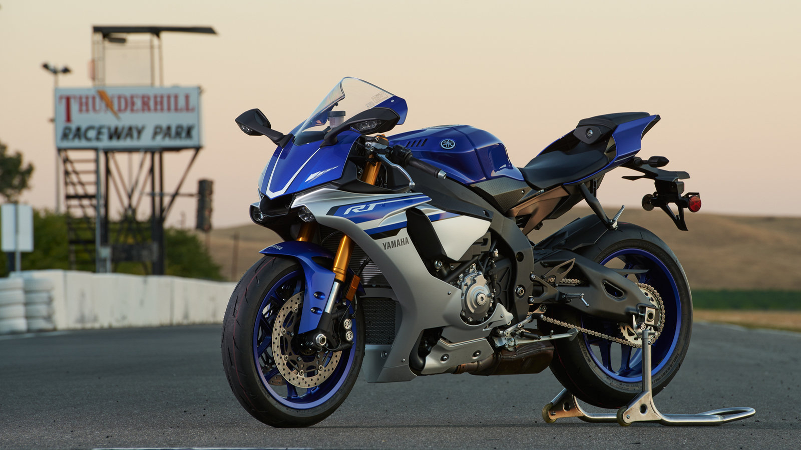 2016 yamaha yzf r1 yzf r1s yzf r1m picture 680878 for Yamaha r1 2016 price