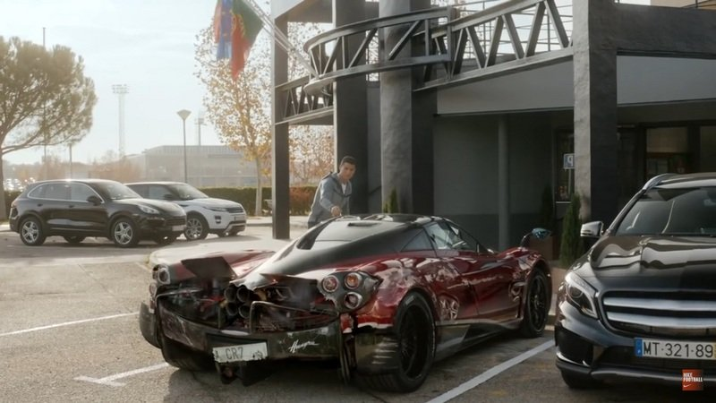"Cristiano Ronaldo ""Crashes"" Pagani Huayra In Nike Ad: Video"