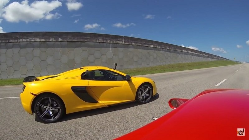 McLaren 650S Takes On Lamborghini Huracán: Video