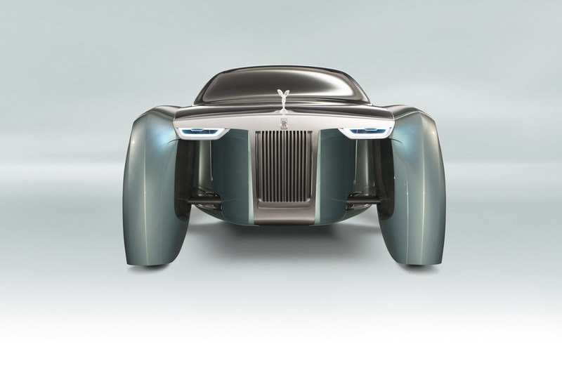 The Rolls-Royce V-12 Will Soldier On Until the Brand is Forced to Go All-Electric