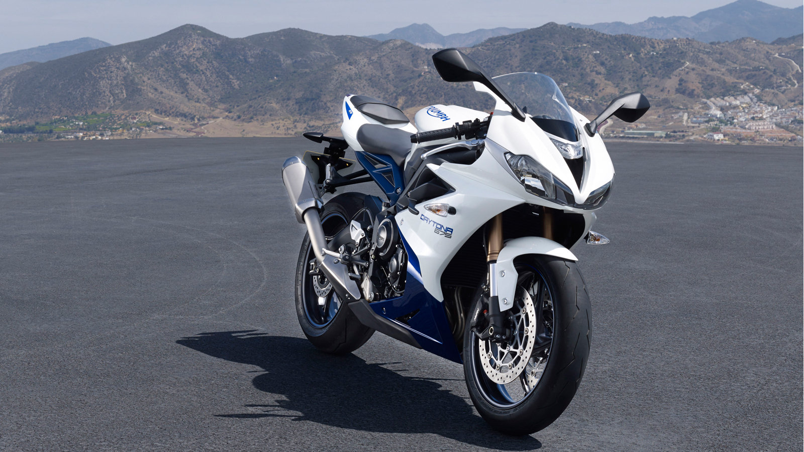 2016 triumph daytona 675 daytona 675 r picture 681708 motorcycle review top speed. Black Bedroom Furniture Sets. Home Design Ideas