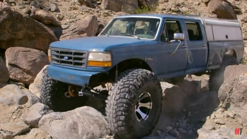 """Dirt Every Day"" Builds an All-American Monster Truck: Video"