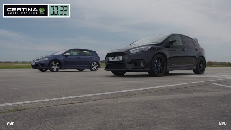 EVO Pits The Ford Focus RS Against The Volkswagen Golf R In A Hot Hatch Drag Race: Video