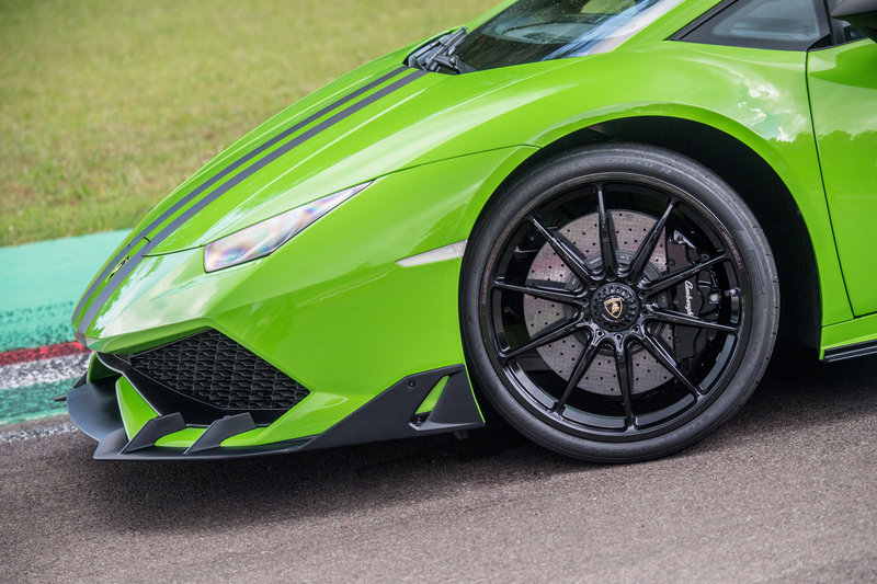 Lamborghini Huracan with After Sales Packages High Resolution Exterior Press Releases - image 683695