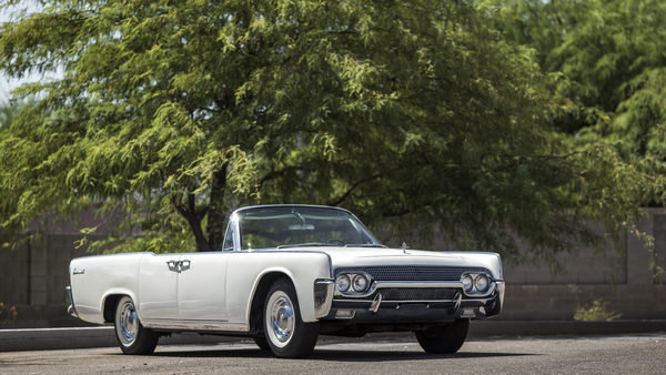 lincoln continental convertible - DOC682997