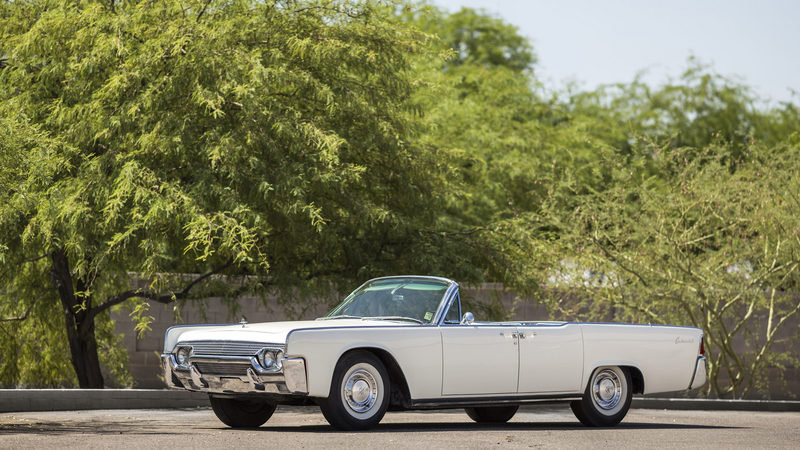 1961 Lincoln Continental Convertible High Resolution Exterior - image 682998