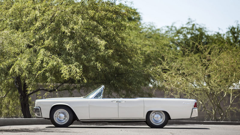 1961 Lincoln Continental Convertible High Resolution Exterior - image 682999