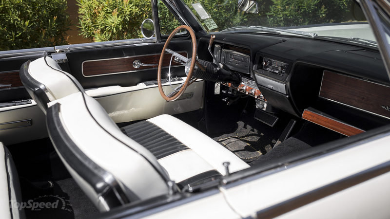 1961 Lincoln Continental Convertible High Resolution Interior - image 683002