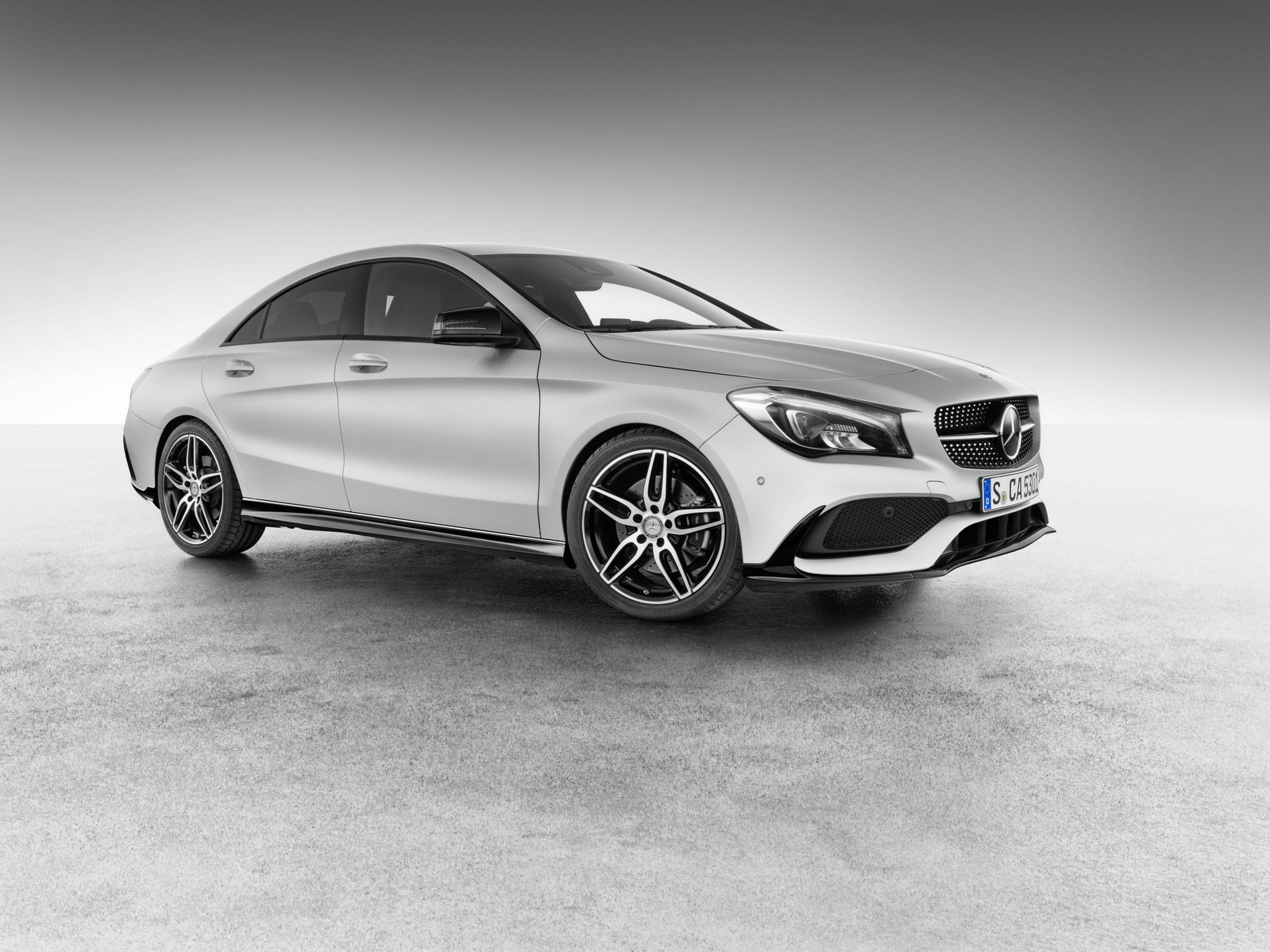 2016 mercedes benz cla with amg accessories picture for Mercedes benz accessories