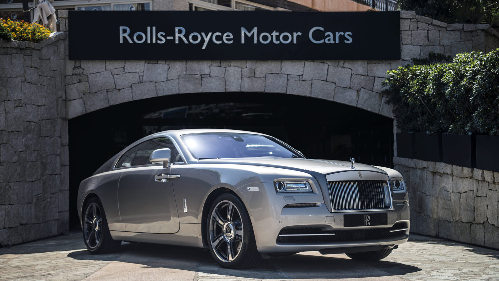 Ferrari Of New England >> 2016 Rolls-Royce Porto Cervo Wraith Pictures, Photos ...