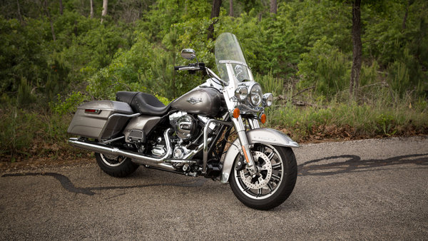 2015 - 2016 Harley-Davidson Road King