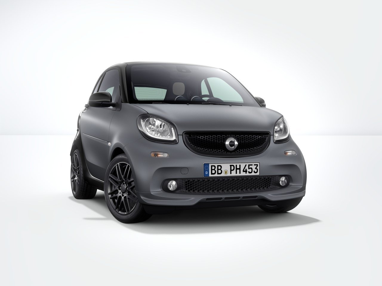 2017 smart fortwo sport package by brabus picture 684003 car review top speed. Black Bedroom Furniture Sets. Home Design Ideas