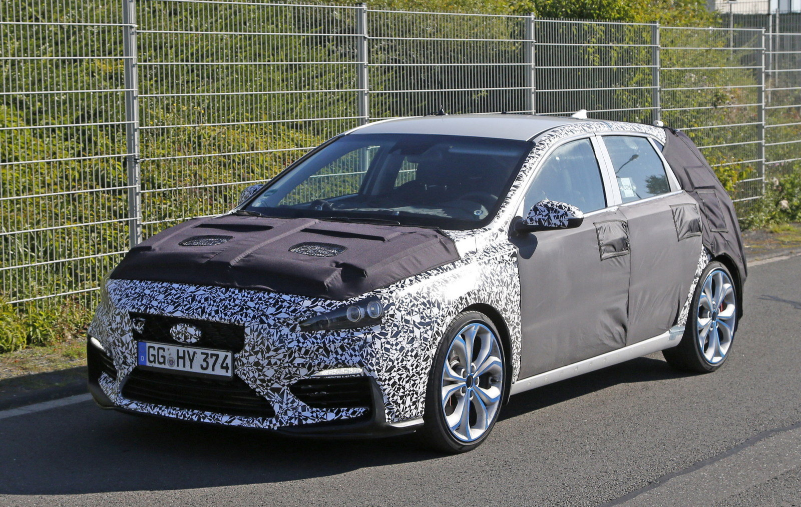 2018 hyundai i30 n picture 685156 car review top speed. Black Bedroom Furniture Sets. Home Design Ideas