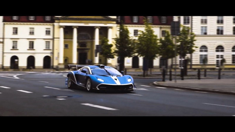 Arrinera Hussarya GT Wreaks Havoc In The Streets Of Warsaw: Video