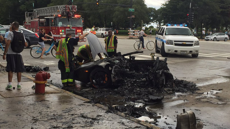 Lamborghini Huracan Breaks in Half, then Bursts into Flames in Chicago